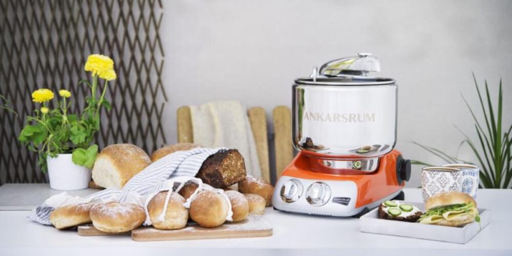 Bage med Køkkenmaskine og Røremaskine